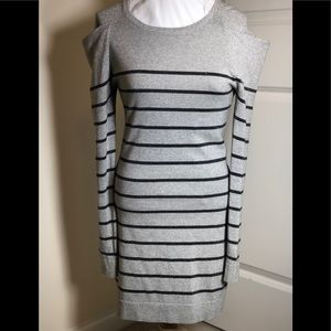 💃 💃 BEBE medium silver sweater dress